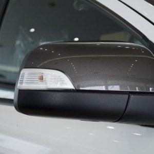 guong chieu hau Ford Ranger 2017